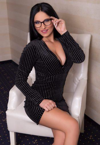 Michaela – Sekretärinnen Look!